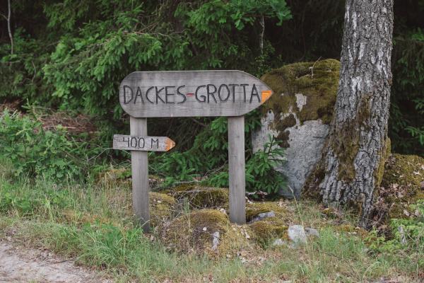 Dackes Grotta i Hästmahult